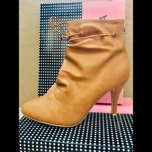 👢GORGEOUS TAN ANKLE BOOTS  👢 SIZE 9 NIB